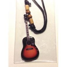 Collana forma di chitarra